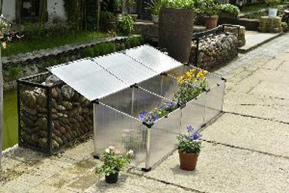 Immagine di mini serra con telaio in tubo di alluminio spessore 1 mm, vetratura con pannelli in policarbonato spessore 4 mm, dimensioni esterne cm. p.120 l.51 h.51