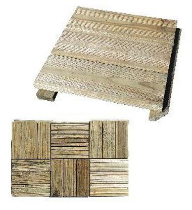 Immagine di pedana modulare, in legno di pino trattato con impregnante in autoclave, sezione listelli mm.15x6, dimensione totale cm.30x30 h.3,8