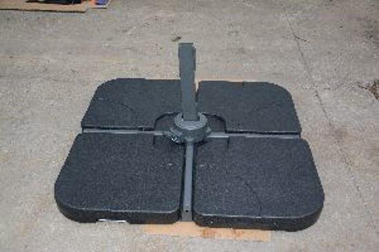 Immagine di base per ombrellone, misure cm.50x50 h.7,5, da riempire con acqua capacità litri 15, colore nero